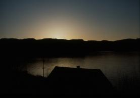 """""""o en el espectáculo del alba, o en las estrellas por la noche, como cierta delicada película de sueños evaporándose, ese algo se oculta, titubeando en desaparecer sin embargo"""" (Walt Whitman,Un Misterioso Canto)"""