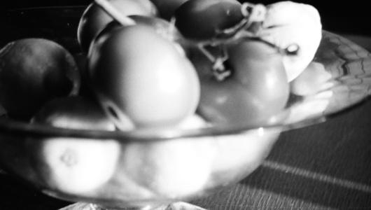 Frutas dormidas sin colores y sin el brillo mercantil pero tan evocadoras!!