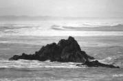 Una Roca en el mar siempre es su historia enmascarada