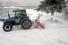 Tractor for taken off snow
