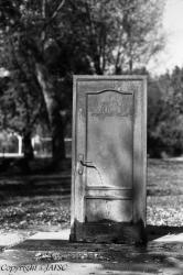 Agua de una Puerta cerrada, el surrealismo se instaló en el Jardín del lado