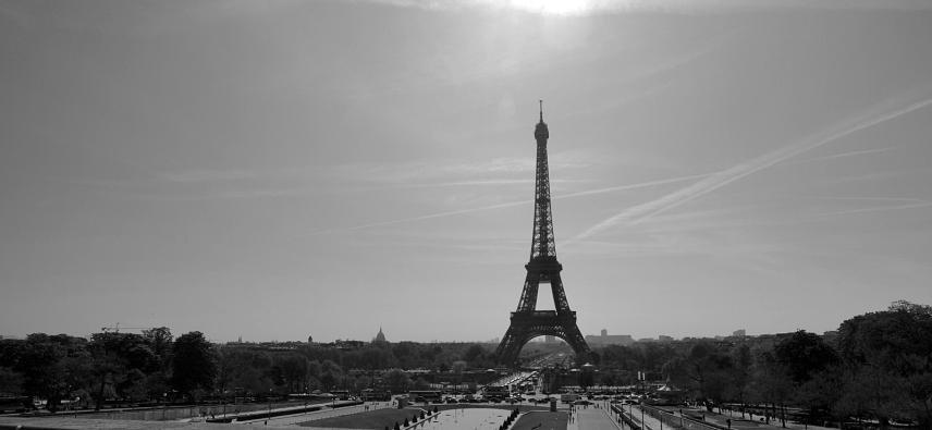 Tour Eiffel in distance